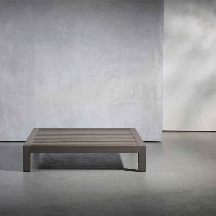 Lars Coffe Table