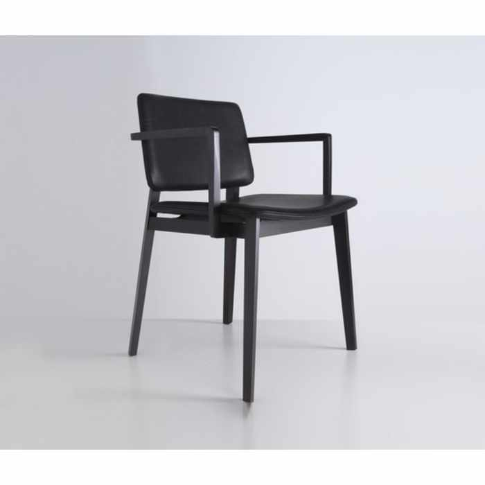 Hati Chair