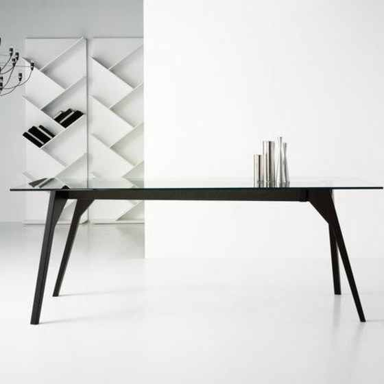 Grupa Dining Table